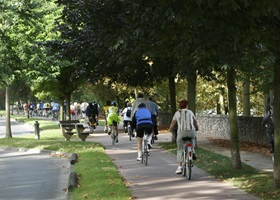 guide bikes renting in paris bois de vincennes